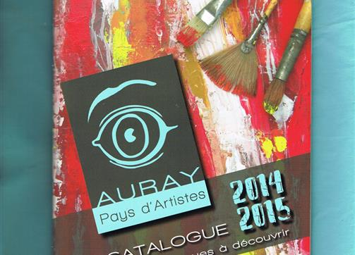 "The guide ""Auray Pays d'Artistes"" is available for free at the Hotel"