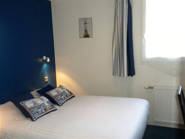 Room n°11, SEIN, 2sd floor, standard double bed (9,60m²)